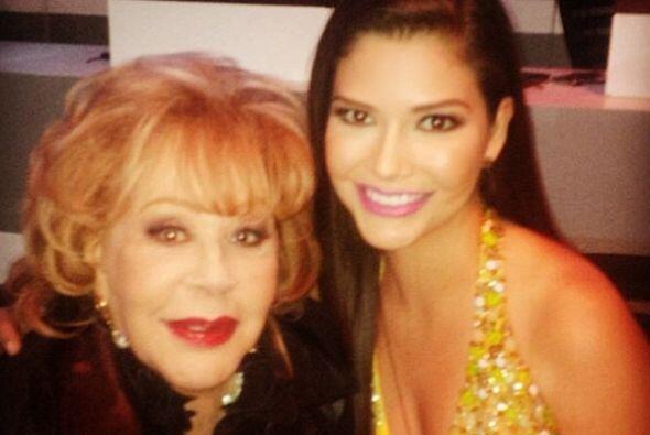 """""""Qué honor ser jurado en #PremiosTvyNovelas junto con esta gran señora!!..."""