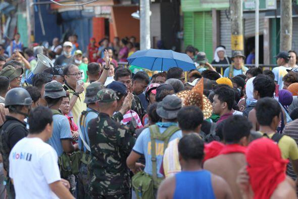 El tifón Haiyan, uno de los más fuertes de la historia de Filipinas, ha...