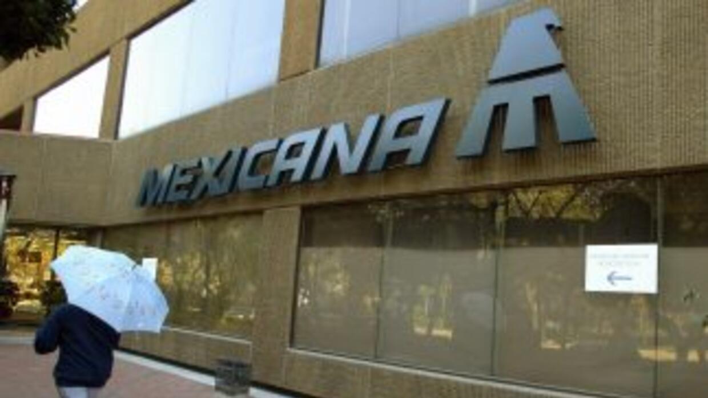 Hasta la fecha Mexicana de Aviación lleva casi un año y dos meses sin vo...