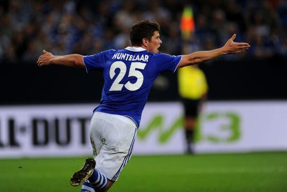 El 'Cazador' fue el artífice del triunfo del Schalke 04 ante el Hamburgo.