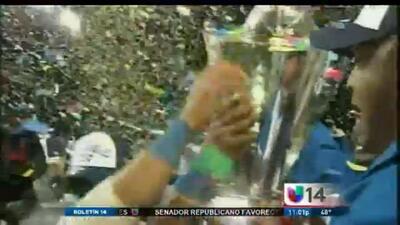 Emoción en el estadio AT&T tras victoria de República Dominicana en el C...