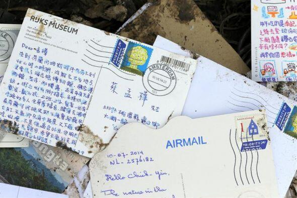 También hay cartas y postales un poco estropeadas pero totalmente legibles.