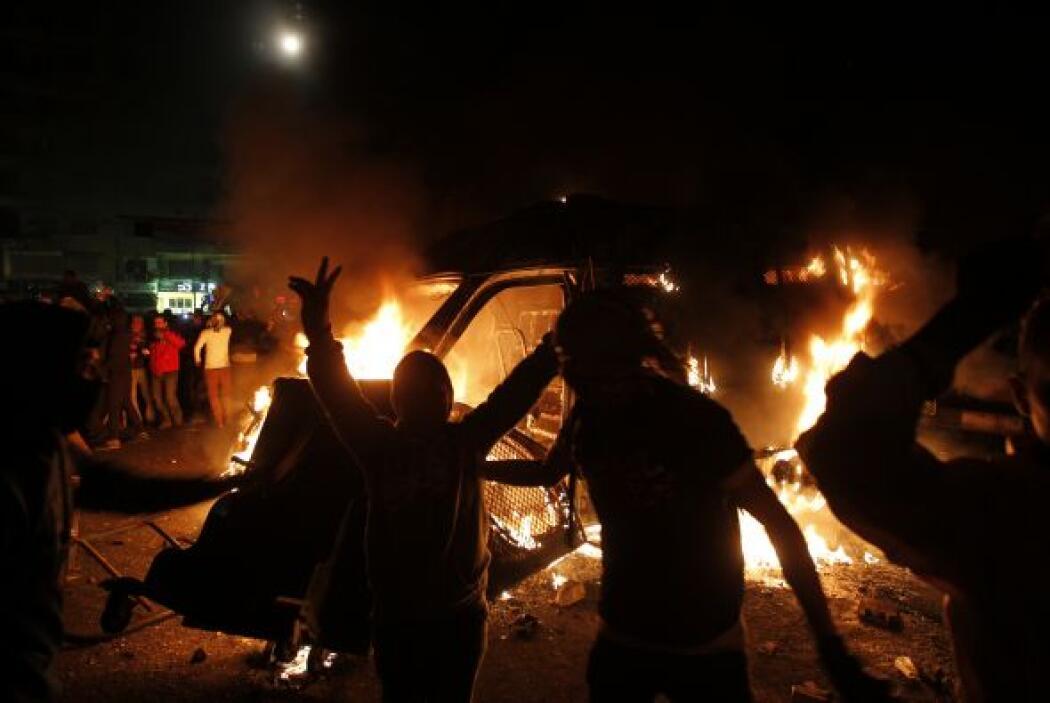 Los manifestantes volvieron a tomar este lunes las calles de Egipto en e...