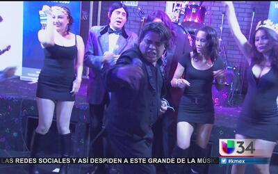 Fanáticos del este de Los Ángeles rinden homenaje a Juan Gabriel