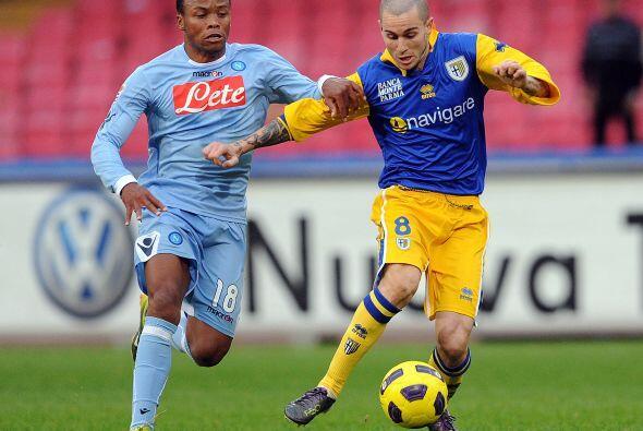 Napoli recibió al Parma, dos equipos con realidades distintas.