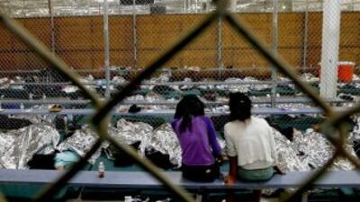Dos niñas indocumentadas en un centro de la Patrulla Fronteriza en la fr...