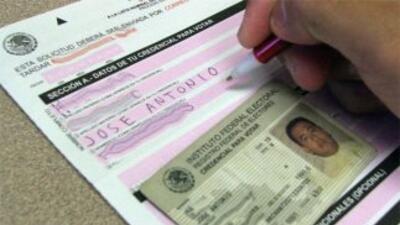 Que se quedaron sin votar desde Estados Unidos, porque el IFE no abrió m...