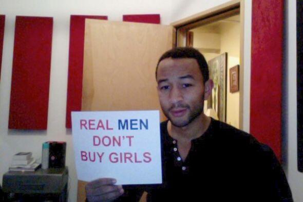 El cantante John Legend mostró su indignación por los sucesos.Mira aquí...