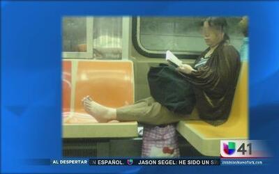 ¿Que opinas de estos modales en el metro?