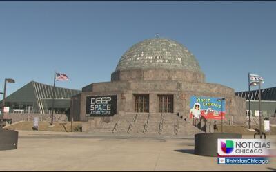 Planetario Adler ofrecerá entrada gratis a residentes de Illinois en Col...