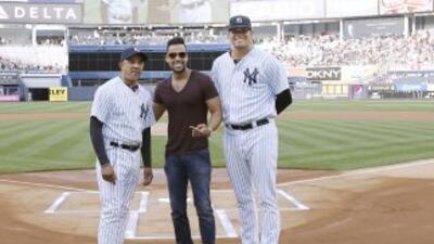 El Rey de la Bachata en el Yankee Stadium. Foto: New York Yankees