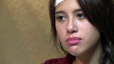 Hispana demanda a profesor de educación física por agresión en California