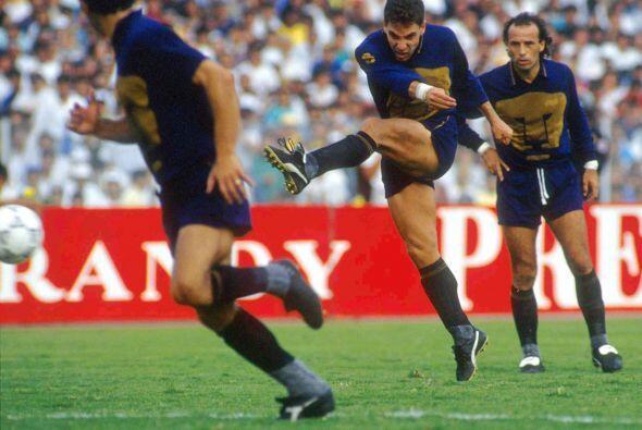 Alberto García Aspe: El mediocampista debutó con los Pumas...