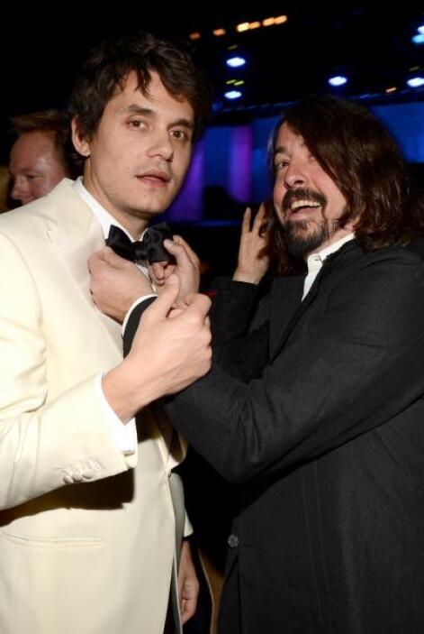 Y luego de ahí pasó con Dave Grohl de los Foo Fighters, quien le estuvo...
