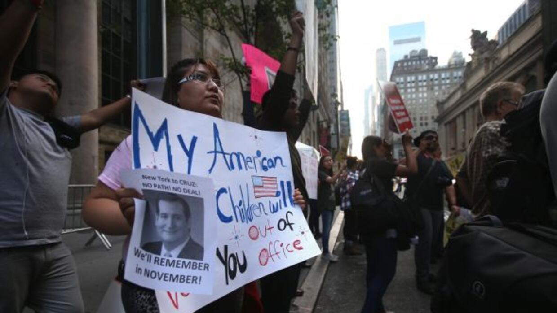 Madres inmigrantes piden frenar las deportaciones.