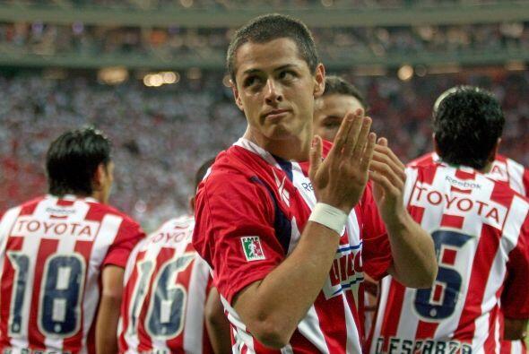 Javier 'Chicharito' Hernández se lució con las Chivas de Guadalajara, se...
