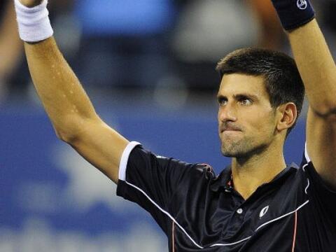 El número uno del mundo, Novak Djokovic, venció al ruso Ni...