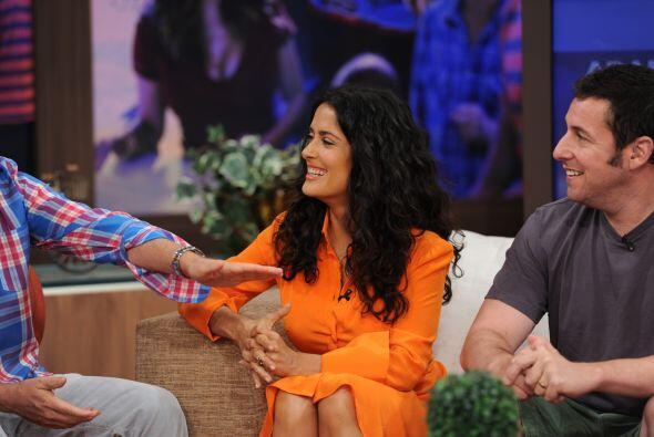 Salma sonrió todo el programa. ¡Estaba divertidísima!