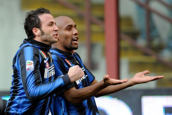 Gianpaolo Pazzini igualó el marcador al poner el 1-1.