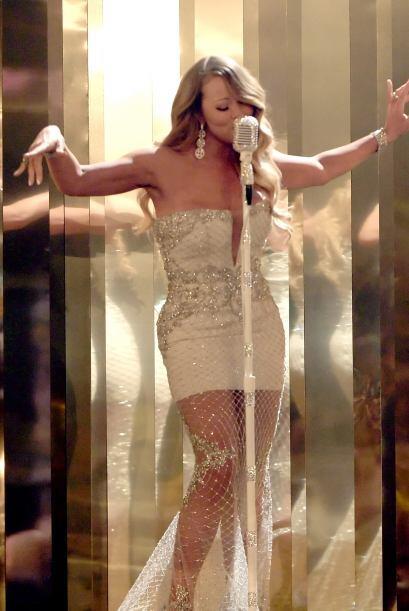 Además fue la artista con mayor número de ventas en la década de los 2000.