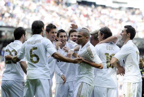 Pepe anotó un gol en la goleada del Real Madrid al Osasuna.