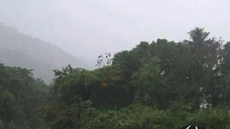Lluvia y vientos azotaron desde temprano el sábado. Al salir de Puerto R...
