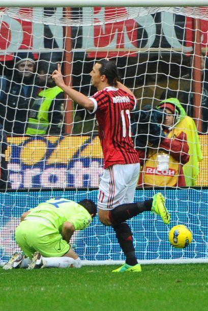 Muy rápido llegaría el gol y al minuto 7, Zlatan Ibrahimov...