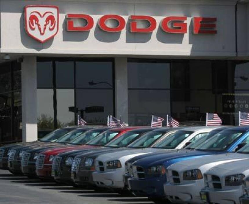 ChryslerLuego de un largo periodo de bajas ventas, Chrysler comenzó a re...