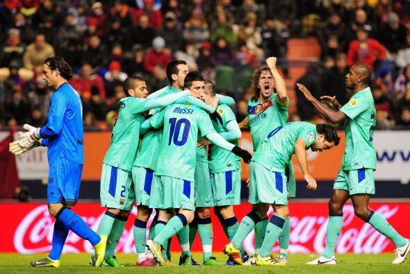 Unos minutos después apareció nuevamente Messi y de penalt...