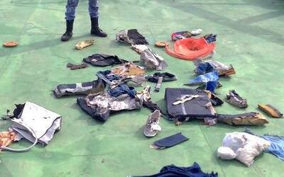 Hallan restos del avión desaparecido de Egyptair