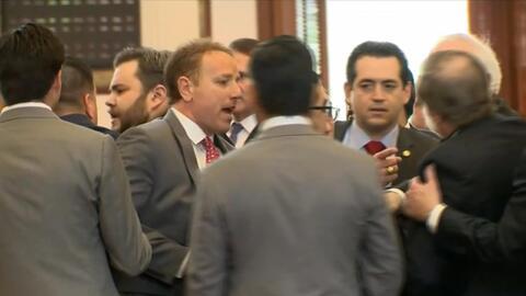 En video: El altercado entre legisladores estatales en Texas donde un re...