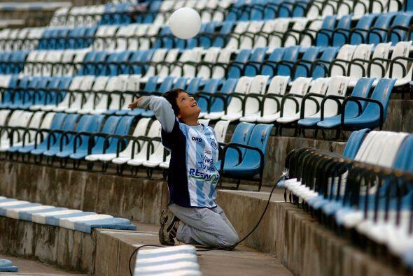 """El Estadio 23 de Agosto de Jujuy es llamado también como """"La Tacita de P..."""