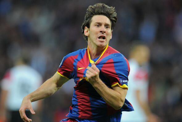 9. LIONEL MESSI- Reconocido actualmente como el mejor jugador de fútbol...