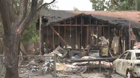 Incendio en bodega de Stockton deja varias viviendas destruidas y famili...