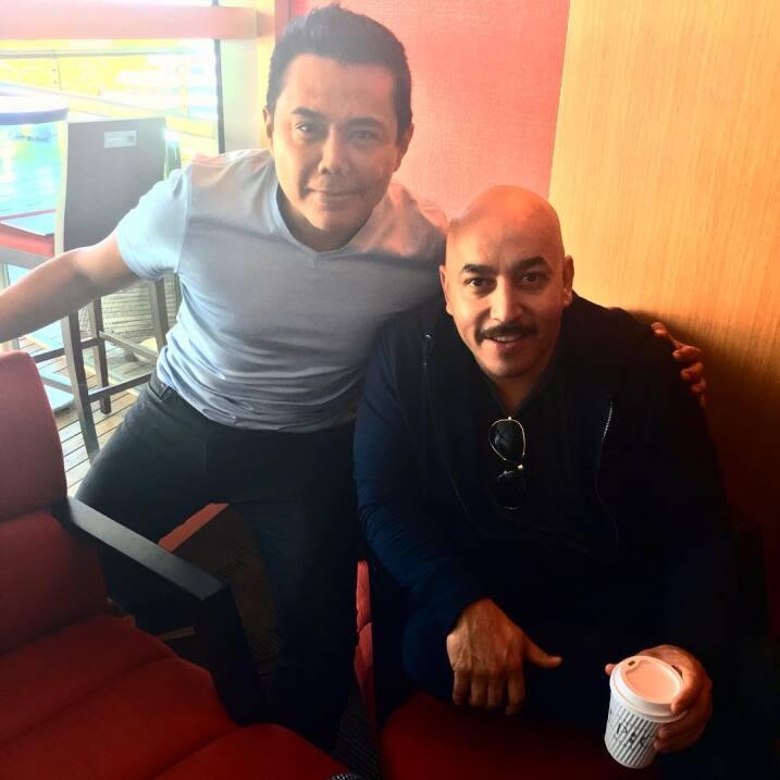 Durante el día, también saludó a Lupillo Rivera.