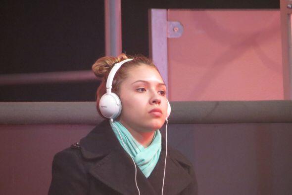 Y Palomita se relaja escuchando música... ¡Nos vemos el domingo!