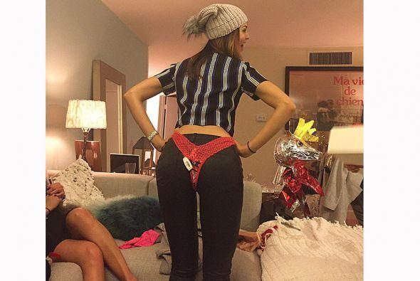 Eiza González presumió en las redes sociales su primer regalo navideño,...