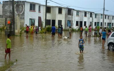 48 horas de lluvias en Acapulco han afectado a más de 1,200 casas