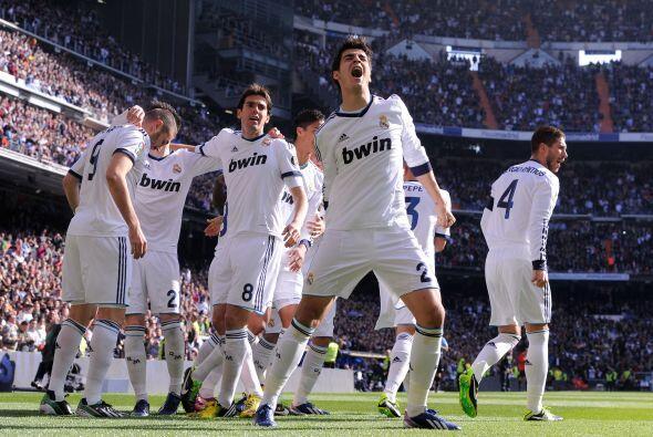 Morata, joya de la cantera blanca, celebra el gol y su asitencia.
