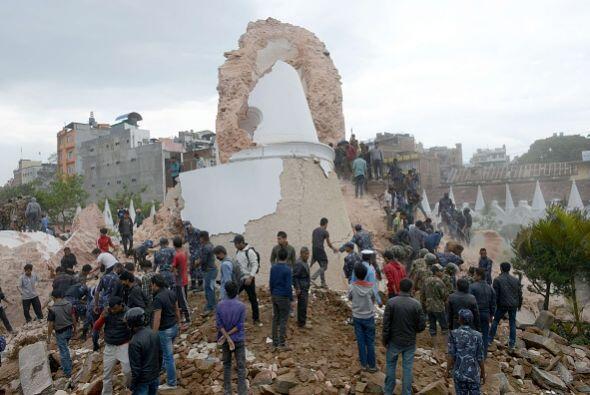 La torre Dharahar, un importante atractivo turístico, se ha convertido e...