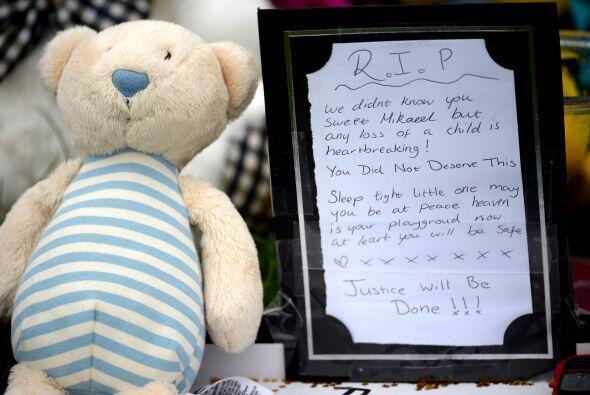 La madre del niño escocés de 3 años de edad cuya desaparición provocó un...