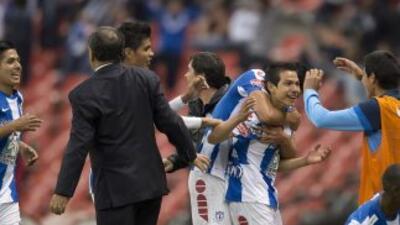 América 0 - Pachuca 1: Hirving Lozano despluma a las Aguilas en su debut...
