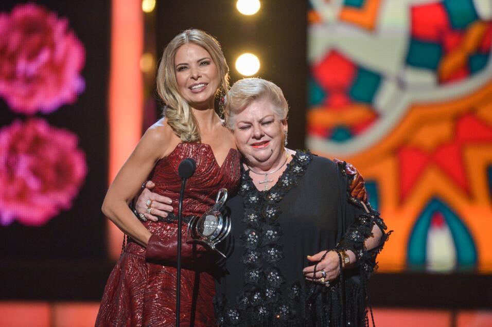 Paquita la del Barrio recibió el Premio Lo Nuestro a La Trayectoria por...