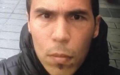 Fotograma de un video 'selfie' del principal sospechoso de la matanza di...