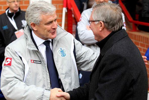 Los entrenadores Mark Hughes y Sir Alex Ferguson llegaban junto a sus cl...