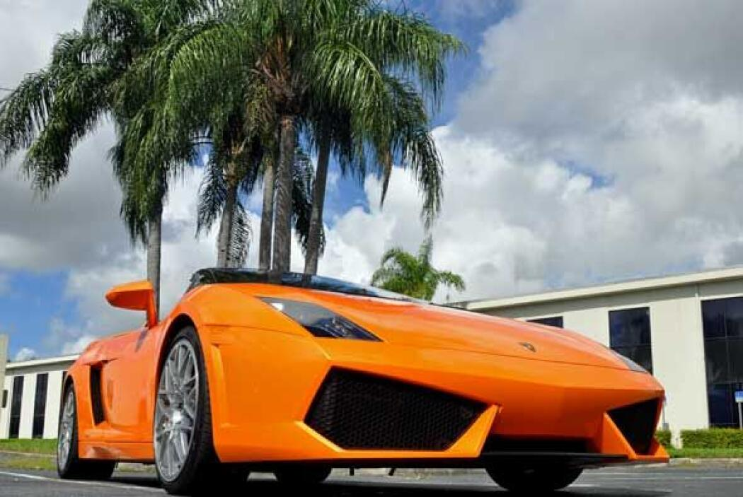 Este auto utiliza un motor V10 de 5.2 litros con 560 caballos de fuerza.