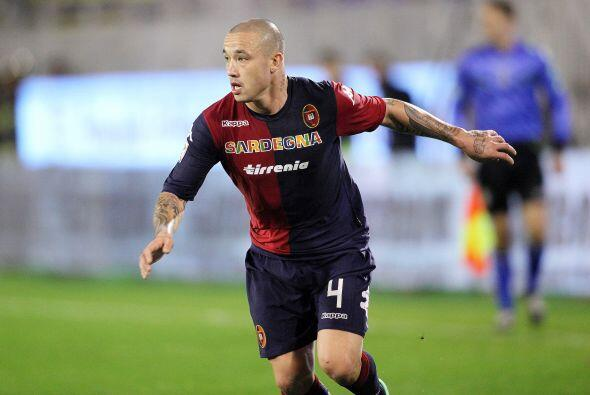 Muchos equipos de la Serie A siguen al centrocampista belga del Cagliari...