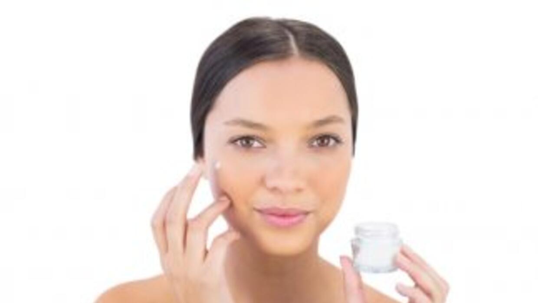 Descubre cómo actúan las cremas reafirmantes, y entérate cómo deberías u...