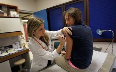 Vacunas, un requisito para regresar a clases