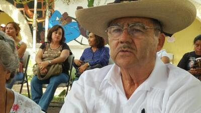 Entrevista con Vicente Estrada Vega, ex alumno de Ayotzinapa y amigo de...